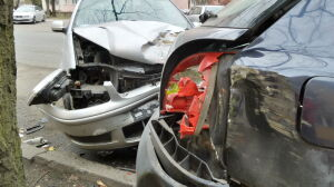 Zderzenie pięciu aut na Saskiej Kępie