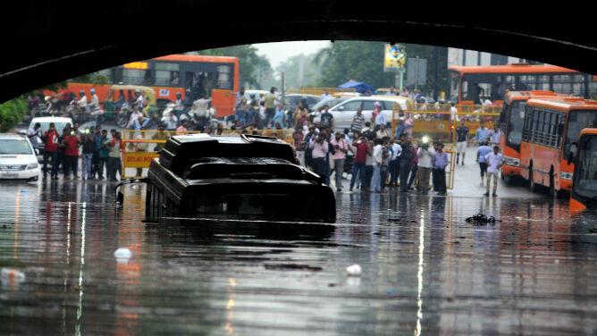 Monsunowe deszcze pustoszą Indie. <br />Ofiary śmiertelne, setki ewakuowanych